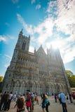 Voorgevel van oude kathedraal in Trondheim, Noorwegen Royalty-vrije Stock Foto's