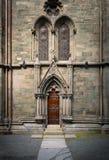 Voorgevel van oude kathedraal in Trondheim, Noorwegen Stock Afbeeldingen
