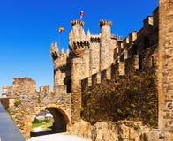 Voorgevel van Templar-Kasteel, in de 12de eeuw wordt gebouwd die Ponferrada Stock Foto's