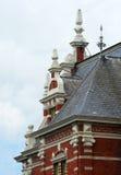 Voorgevel van vroeger stadhuis met ornamenten Stock Foto's