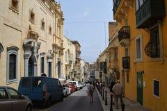 Voorgevels en balkons in historisch centrum van Valletta, Malta Stock Foto