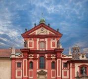 Voorgevels van huizen in de Oude Stad Praag Stock Foto