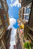 Voorgevels van huizen in oude stad in Amsterdam Royalty-vrije Stock Afbeeldingen