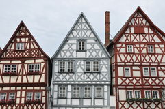 Voorgeveltoppen van helft-betimmerde huizen in Duitsland Stock Fotografie