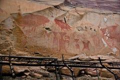 Voorhistorische kunstschilderijen bij klip van Pha Taem stock fotografie