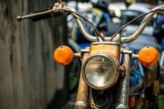 Voorkant van motorfiets van Honda van Circa de medio 1960 kleurrijke klassieke en uitstekende van Japan stock afbeeldingen