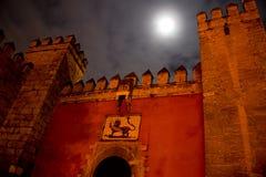 Voorpoort van moorish vesting alcazar in Sevilla Stock Foto