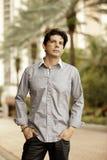 Voorraadbeeld van een Spaans mannelijk model in openlucht Stock Fotografie