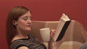 Voorraadlengte van Person Relaxing stock videobeelden