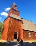 Voorstel bij een houten kerk in Stockholm, Zweden stock afbeeldingen