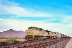 Voortbewegings de spoorwegmotor van de lading stock foto's