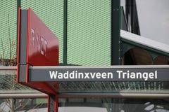 Voorteken op de r-NETTO Driehoek van stationwaddinxveen stock afbeelding