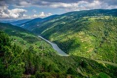 Vooruitzicht over Sil-rivier, Ribeira Sacra stock foto's