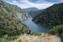 Vooruitzicht over Sil-rivier stock afbeeldingen