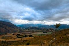 Vooruitzicht van de piek tussen Wanaka en Queenstown Nieuw Zeeland royalty-vrije stock afbeeldingen