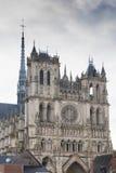 Voorvoorgevel van de Amiens-kathedraal Stock Foto's