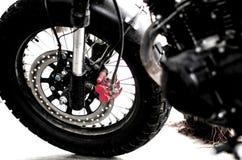 Voorwiel met rem van motorfiets royalty-vrije stock afbeelding