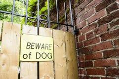 Voorzichtig zijn van het Teken van de Hond Royalty-vrije Stock Afbeeldingen