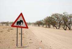 Voorzichtigheid: Olifanten Royalty-vrije Stock Afbeeldingen