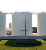 Voorzie tanks van brandstof royalty-vrije stock afbeeldingen