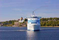Voorzijde van Cruiseschip Royalty-vrije Stock Foto's