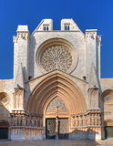 Voorzijde van de kathedraal in Tarragona Royalty-vrije Stock Foto's