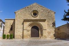 Voorzijde van de kerk van Romanica Santa Cruz in Baeza royalty-vrije stock fotografie