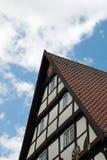 Voorzijde van een betimmerd huis Stock Afbeelding