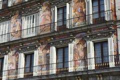 Voorzijde van het gebouw in Plein Burgemeester Madrid Royalty-vrije Stock Foto