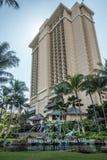 Voorzijde van Hilton Hawaiian Village Resort Royalty-vrije Stock Foto's