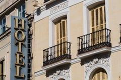 Voorzijde van hotel Stock Afbeelding