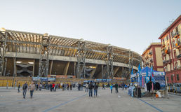 Vor dem Stadion San Paolo, Napoli Stockbild