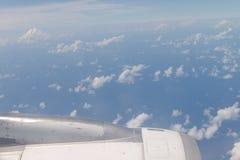 Vor der Landung von Meeru-Insel, Malediven Ansichten von der Luft planen Lizenzfreie Stockfotos