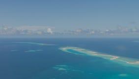 Vor der Landung von Meeru-Insel, Malediven Ansichten von der Luft planen Lizenzfreies Stockbild