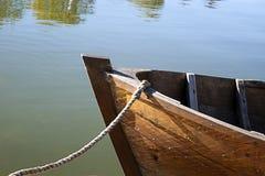 Vor einem alten Boot Lizenzfreies Stockbild