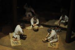 Vor Puppen des japanischen Volks in Yayoi Era, ungefähr 2000 Jahren Yayoi-Ära beträgt Japans Zeitraum vor langer Zeit Ihre Frisur lizenzfreie stockfotos