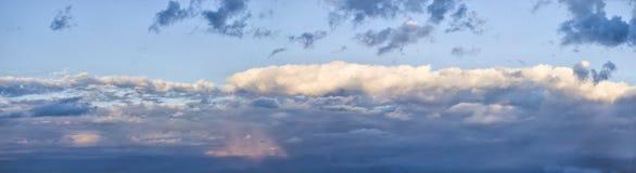 Vor Sonnenuntergang. Stockfotos