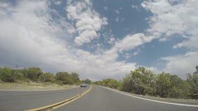 Vorausschauende Ansicht des Zeit-Versehens des Autofahrens stock video footage