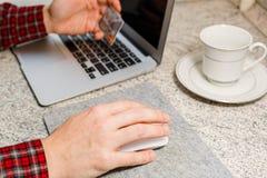 Vorbereiten für ein on-line-Geschäftskonzept Stockbild