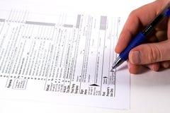 Vorbereiten von Steuern Lizenzfreie Stockfotos