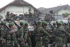 Vorbereitung der indonesischen nationalen Armee in der Stadt des Solos, zentraler Java Security Lizenzfreies Stockbild