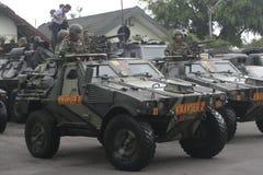 Vorbereitung der indonesischen nationalen Armee in der Stadt des Solos, zentraler Java Security stockbilder