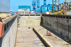 Vorbereitung des trockenen Docks Stockfotografie