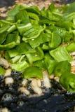 Vorbereitung einer spanischen Paella. Stockfoto