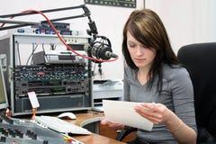 Vorbereitung für die Ankündigung von Nachrichten lizenzfreie stockfotos