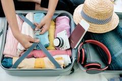 Vorbereitung für Ferien oder Reise lizenzfreie stockfotos
