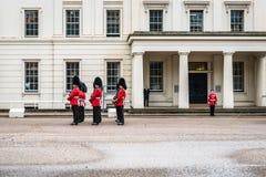 Vorbereitung für das Ändern der Schutzzeremonie in London Stockbild