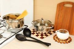 Vorbereitung von Spaghettis Stockfotos