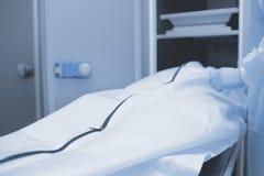 Vorbereitungen für Autopsie, medizinischer Hintergrund Stockfoto