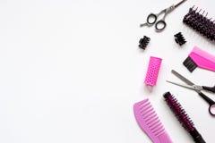 Vorbereitungen für das Anreden des Haares auf Draufsicht des weißen Hintergrundes stockbilder